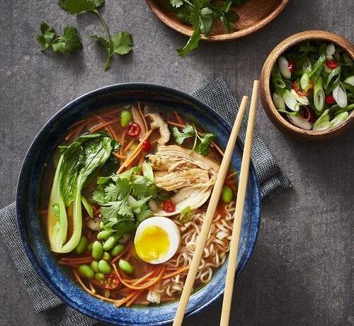 Soupe Ramen aux légumes et viande braisée