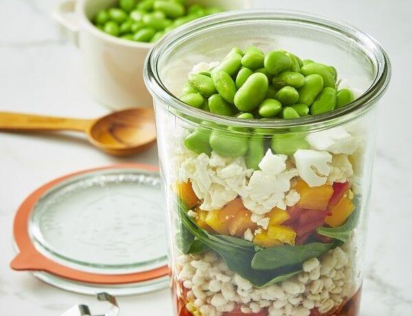 Salade santé à l'orge et edamame