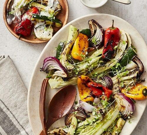 Salade de légumes grillés, vinaigrette au bleu